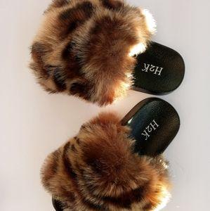 Kid Leopard Fur Slide